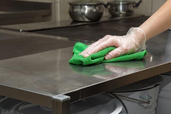 limpieza de un local gastronómico