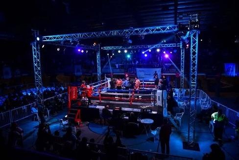 escobar Boxeo por el título sudamericano internacional.