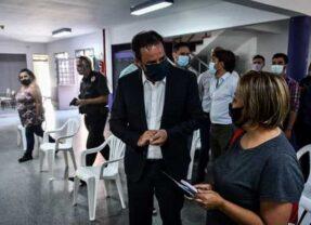 Los mayores de 70 años iniciaron la vacunación contra el covid-19 en Escobar