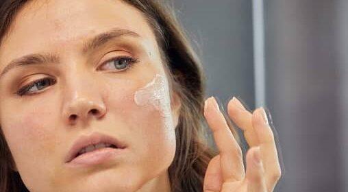Cuidado de la piel durante Covid-19: consejos esenciales para prevenir la piel seca y descamada