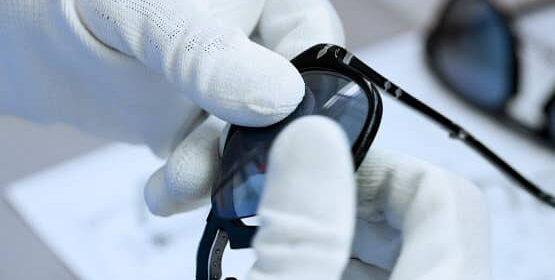 ¿Cómo cambiar las lentes de tus gafas desde casa?